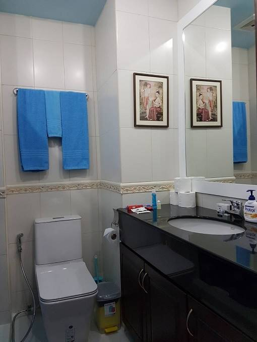 12-579_20A_20VT2A_20Bathroom[1]