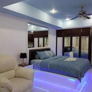 12 579 20a 20vt2a 20bed 20with 20mood 20lighting[1]