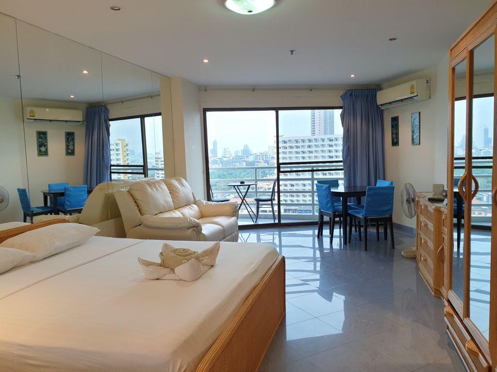 15-700-room-10