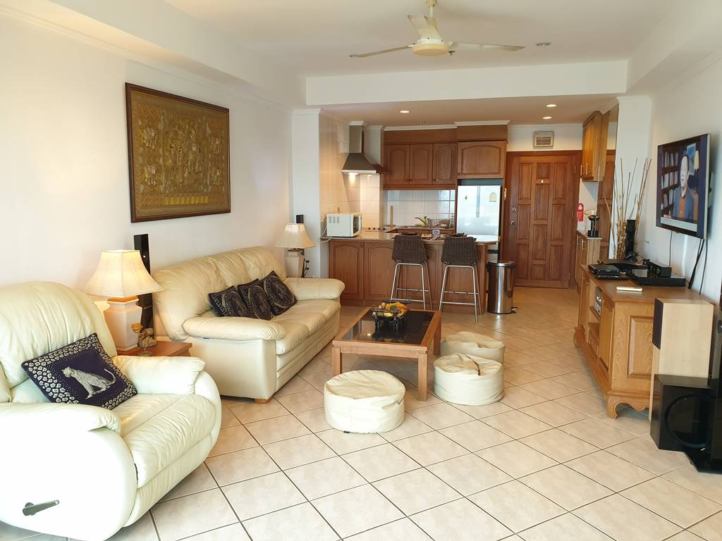 room-11-527-jacuzzi-suite-8