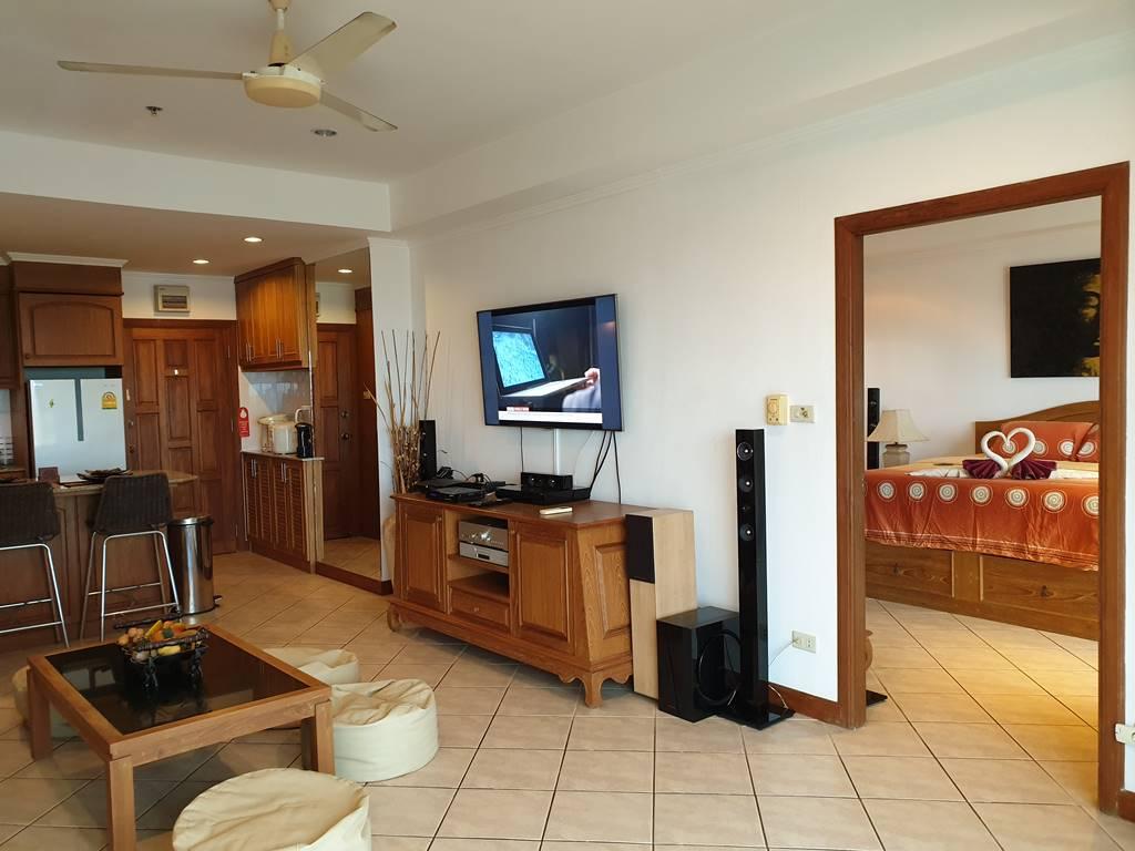 room-11-527-jacuzzi-suite-9