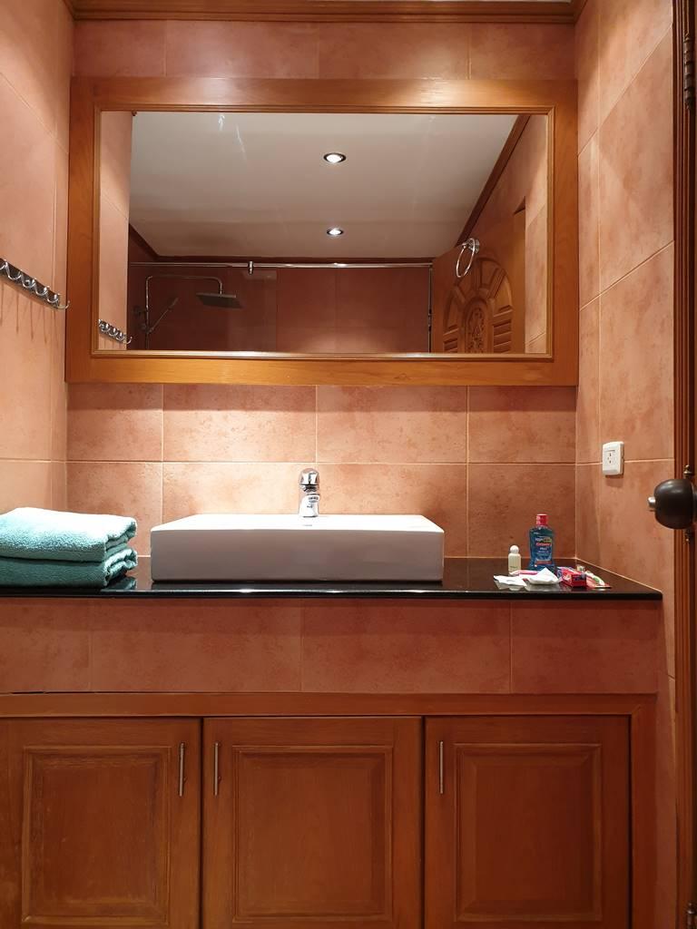room-11-530-sea-view-luxury-studio-8