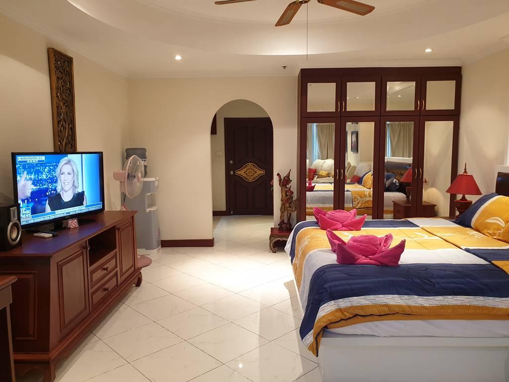 room-12-566-sea-view-luxury-8