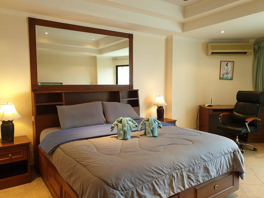 room-12-573-sea-view-9