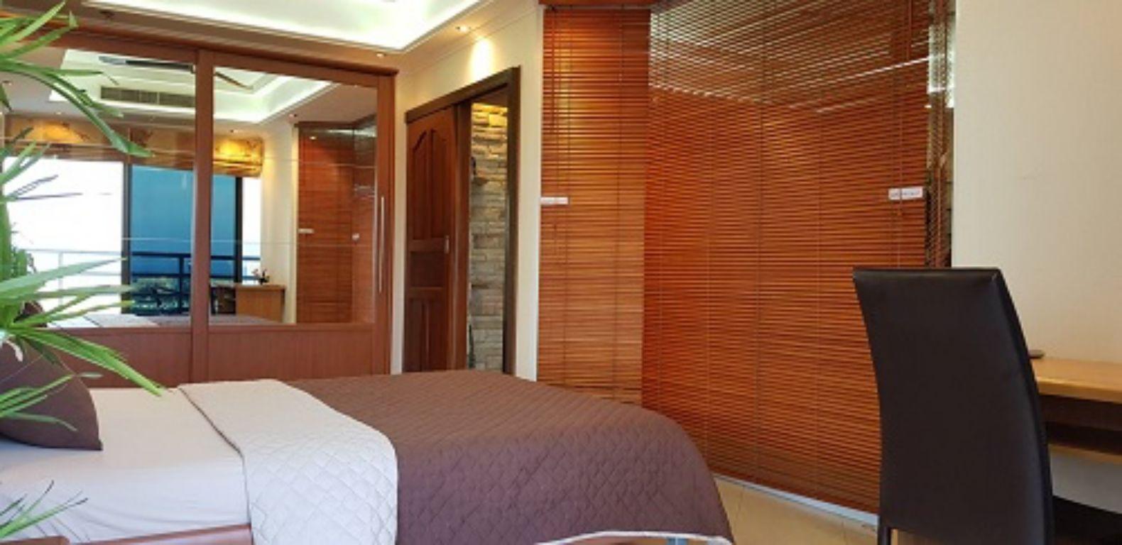 room-15-715-01