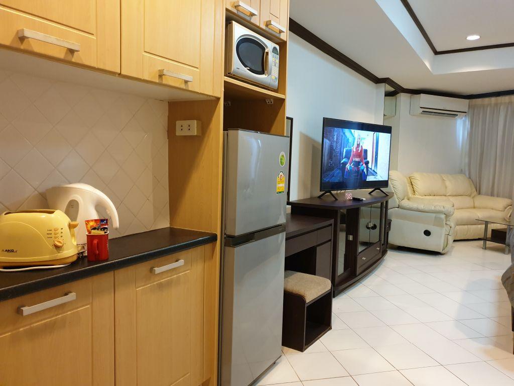 room-16-772-high-floor-sea-view-03