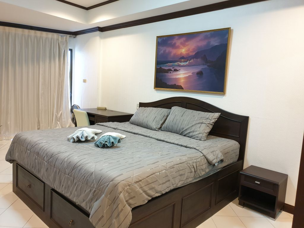 room-16-772-high-floor-sea-view-06