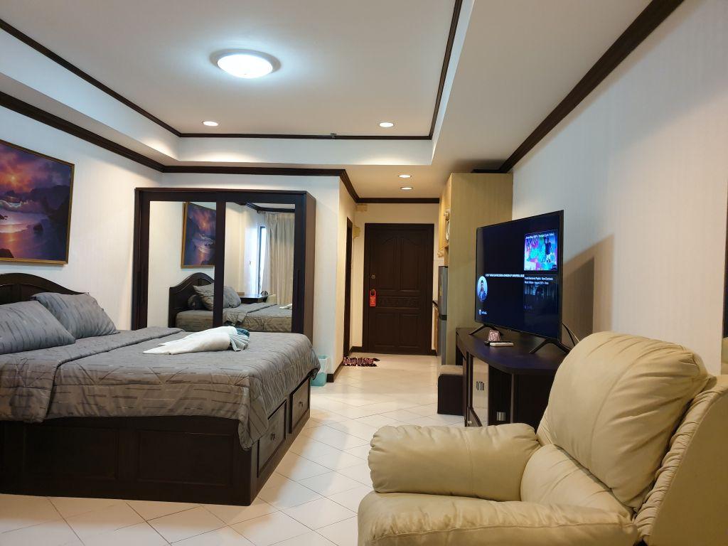 room-16-772-high-floor-sea-view-09
