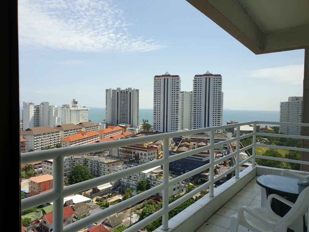room-16-772-high-floor-sea-view-10