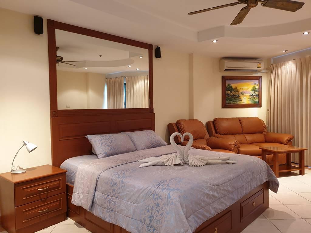room-17-811-luxury-sea-view-studio-3