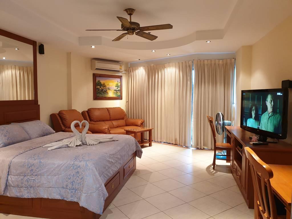 room-17-811-luxury-sea-view-studio-4