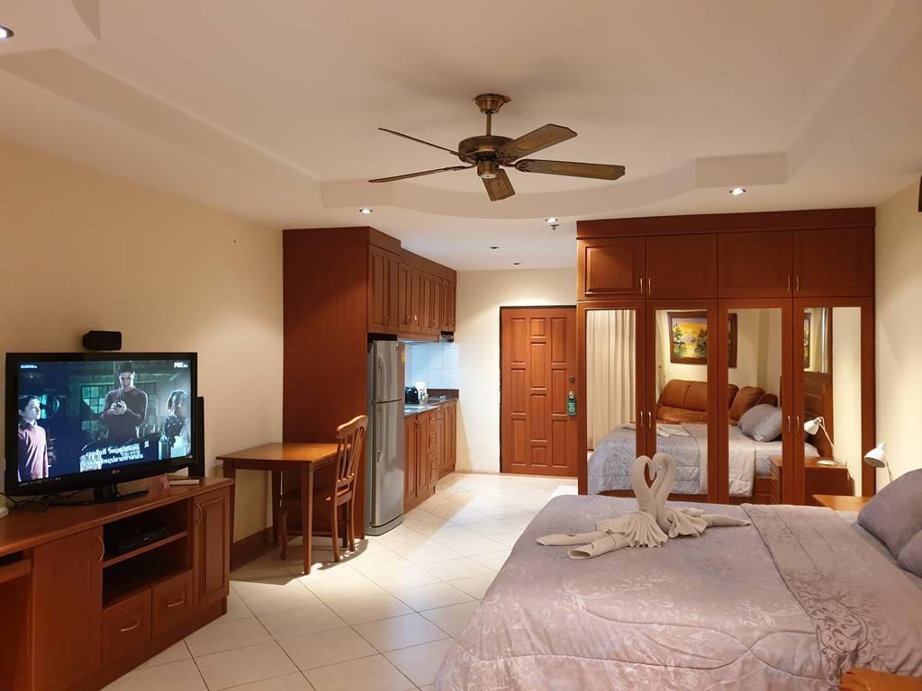 room-17-811-luxury-sea-view-studio-5