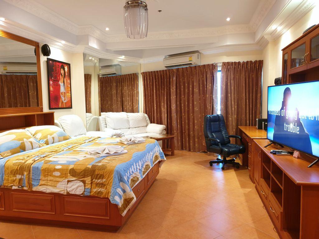 room-18-860-06
