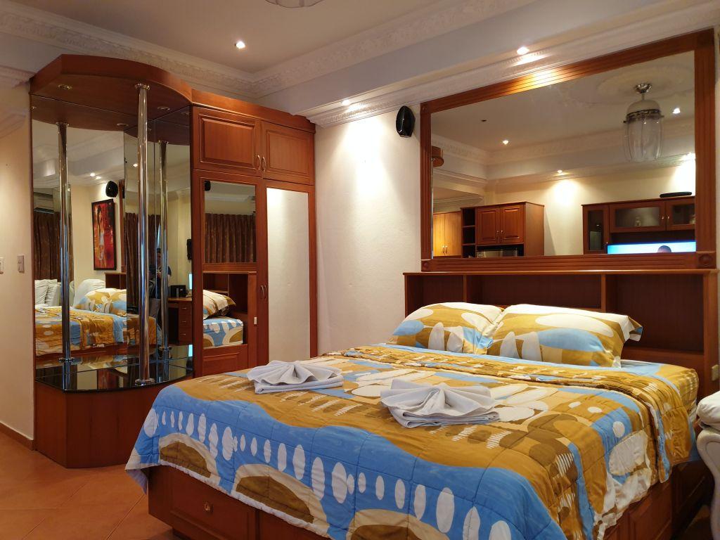 room-18-860-08