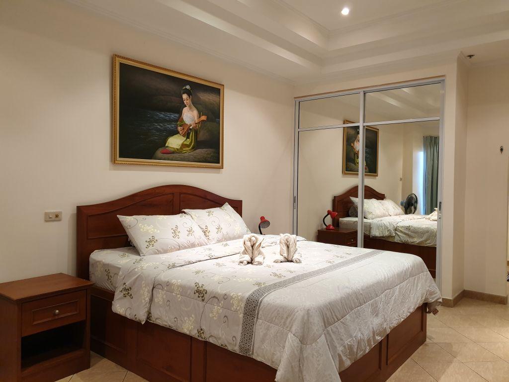 room-18-866-02
