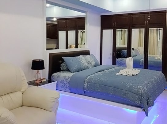 Room12 579